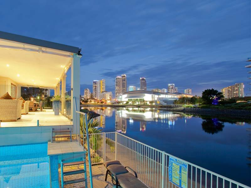 Views-to-Broadbeach-Skyline Gallery